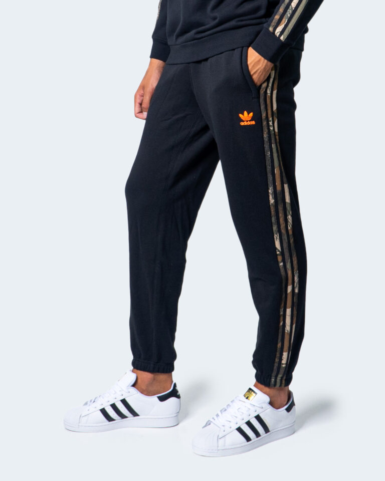Adidas Pantaloni sportivi CAMO SWEAT PANT GD5948 - 1