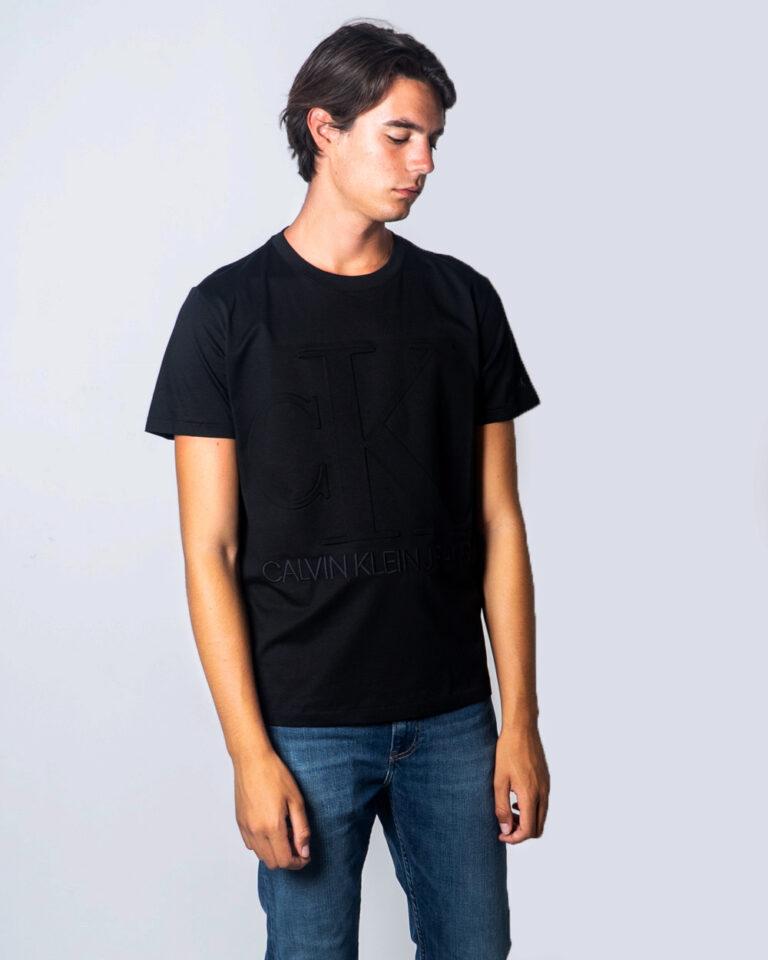 Calvin Klein Jeans T-shirt EMBOSSED REGULAR FIT TEE J30J315860 - 1