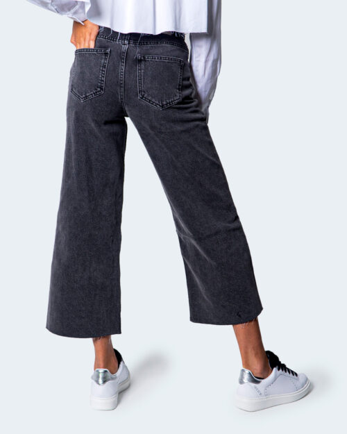 Jeans larghi Only SONNY LIFE CROPPED Grigio Scuro - Foto 4