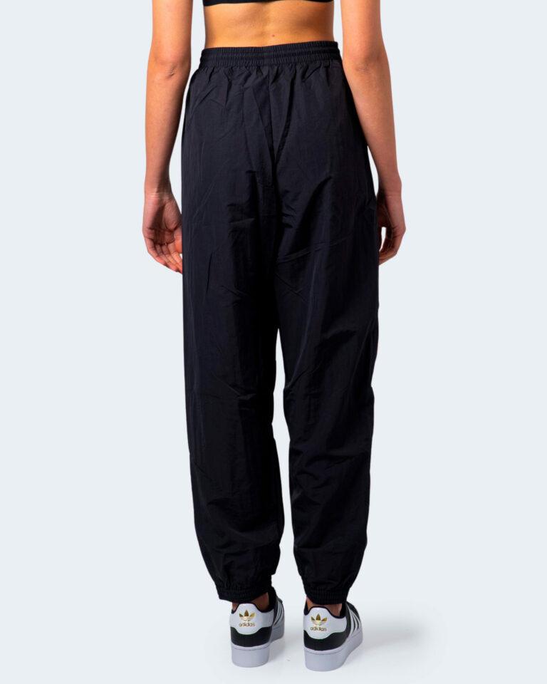 Pantaloni sportivi Adidas Track pants adicolor Nero - Foto 3