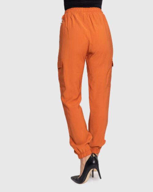 Pantaloni Akè 334 DARK Arancione - Foto 3