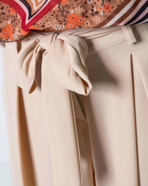 Pantaloni a palazzo Akè CON FUSCIACCA Beige - Foto 4