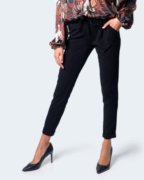 Pantaloni a sigaretta Akè CULISSE Nero – 55055