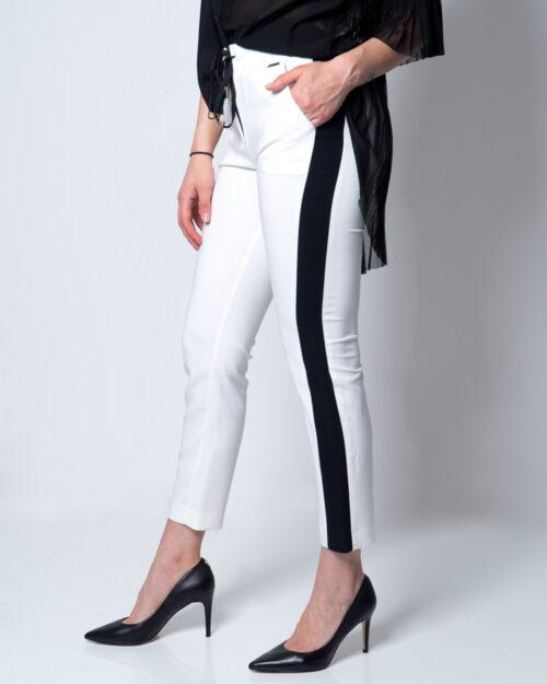 Pantaloni super skinny e skinny Akè BANDA NERA Panna – 45377