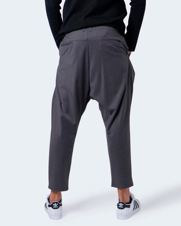 Pantaloni con cavallo basso Imperial CON CATENA Grigio - Foto 3