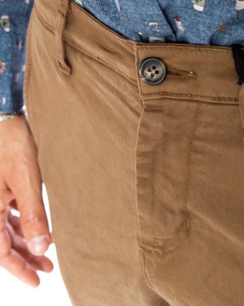 Pantaloni slim Over-D CHINO Beige scuro - Foto 4