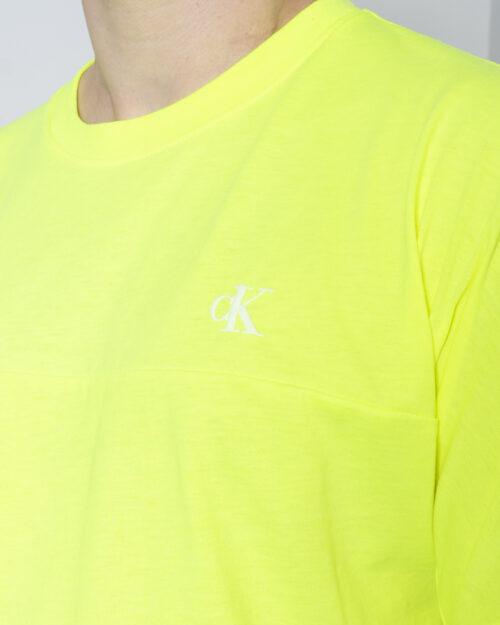 T-shirt Calvin Klein Jeans PUFF PRINT BACK LOGO T-SHIRT Giallo lime - Foto 3