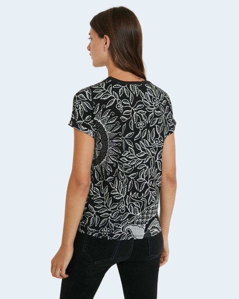 T-shirt Desigual TS DIEGUITA Nero - Foto 3