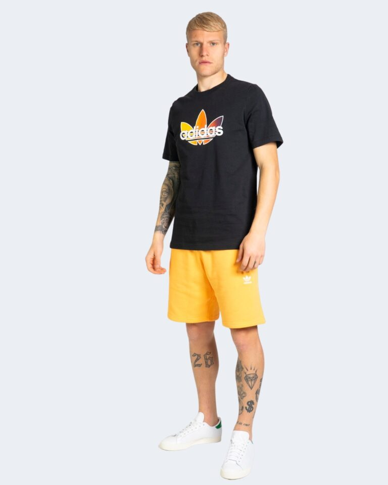 T-shirt Adidas GRAPHIC Nero - Foto 3