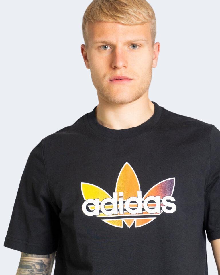 T-shirt Adidas GRAPHIC Nero - Foto 4