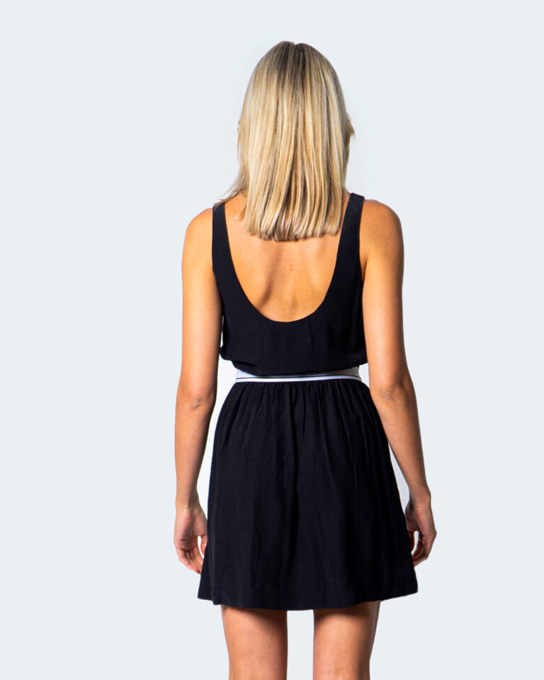 Vestito corto Calvin Klein Jeans LOGO FASCETTA IN VITA Nero - Foto 3
