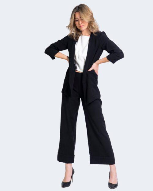 Pantaloni da completo Akè AIDI CORTO Nero – 69376