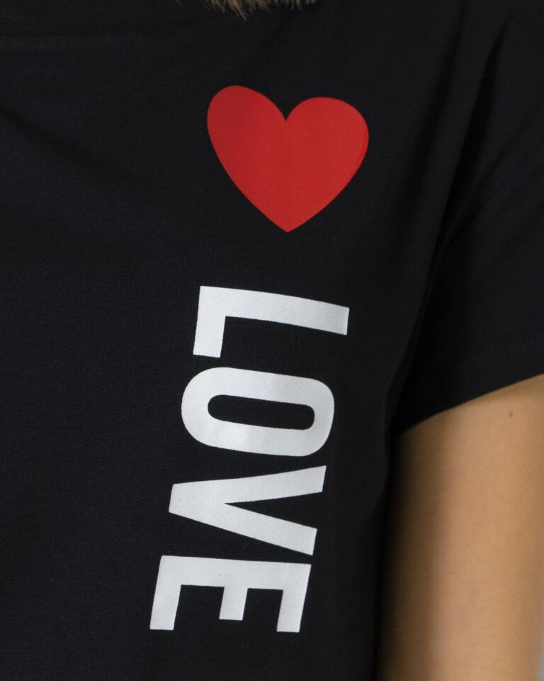 T-shirt Love Moschino STAMPA LOGO VERTICALE Nero - Foto 4