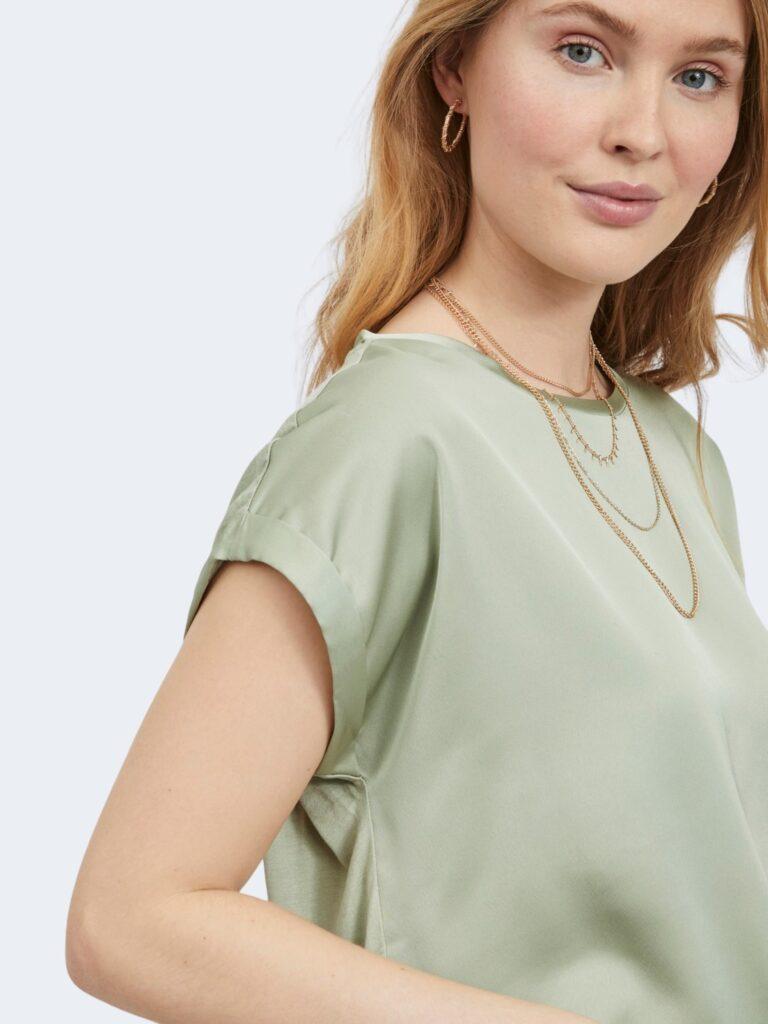 T-shirt Vila Clothes VIELLETTE S/S SATIN TOP/SU - NOOS Verde - Foto 3