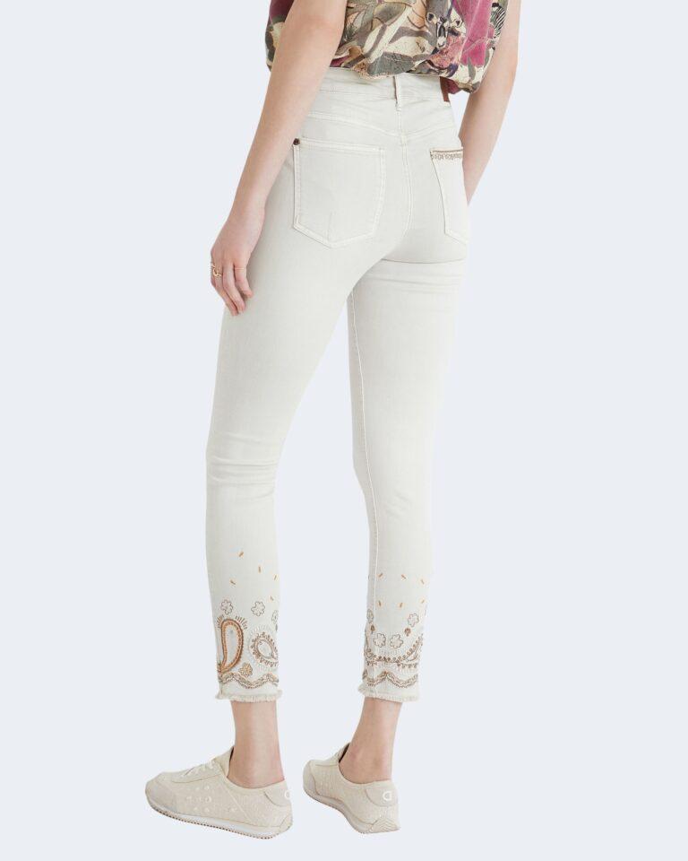 Pantaloni skinny Desigual ANKLE PAISLEY Panna - Foto 3