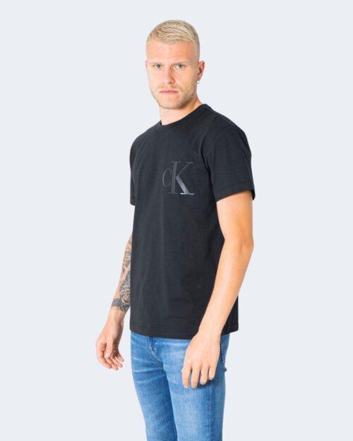 T-shirt Calvin Klein Jeans LEATHER MONOGRAM Nero - Foto 3