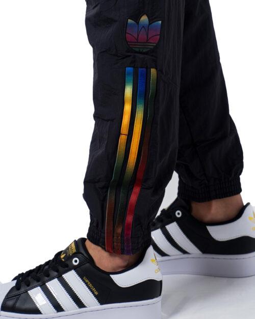 Pantaloni sportivi Adidas Track pants adicolor Nero - Foto 5