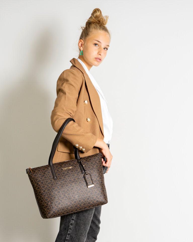 Borsa Calvin Klein MUST SHOPPER Marrone - Foto 2
